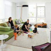 Có những mẫu thiết kế nội thất tuy sang trọng và đẹp mắt nhưng lại ẩn chứa những nguy cơ gây tổn thương cho trẻ nhỏ mà bạn không lường hết được.