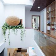 Giếng trời là một giải pháp hữu hiệu để giảm nhiệt mùa hè cho ngôi nhà.